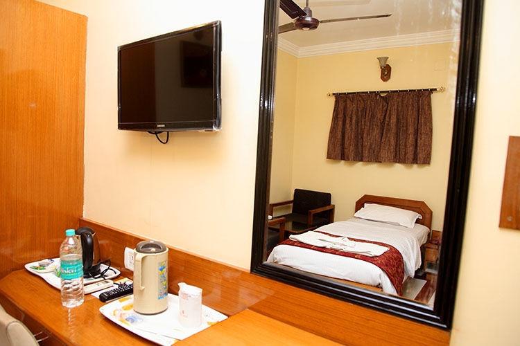 Hotel The Castle - Shastri Nagar - Dhanbad Image