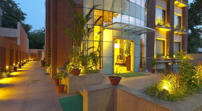 FabHotel - Sector 17-C - Gurgaon Image