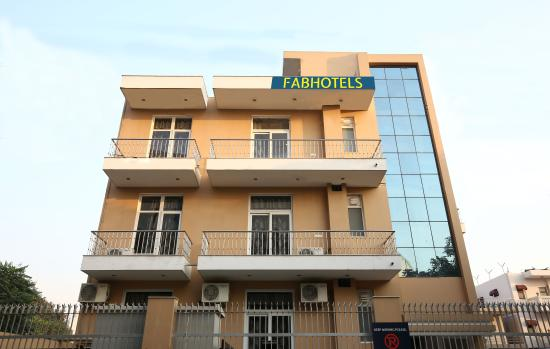 FabHotel - Sector 27 - Gurgaon Image