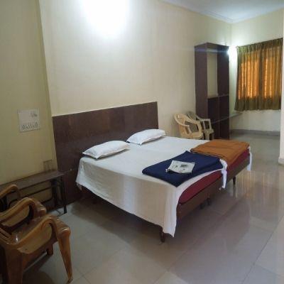 Hotel Aradhana Deluxe - Bagalkot Image