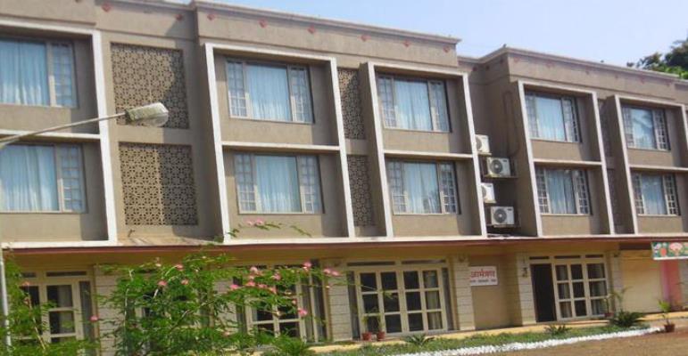 Hotel Kohinoor Highway - Burundi Naka - Dapoli Image