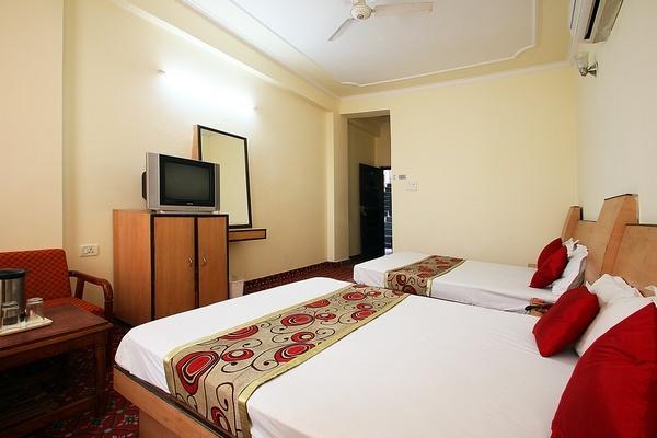Arti Hotel - Kanak Mandi - Jammu Image