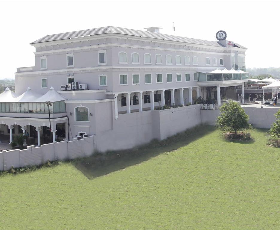 Hotel 17 Miles - Vijaypur - Jammu Image