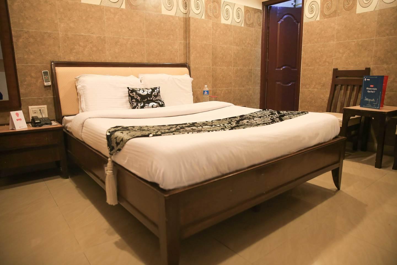 Hotel Log Inn - Shahidi Chowk - Jammu Image