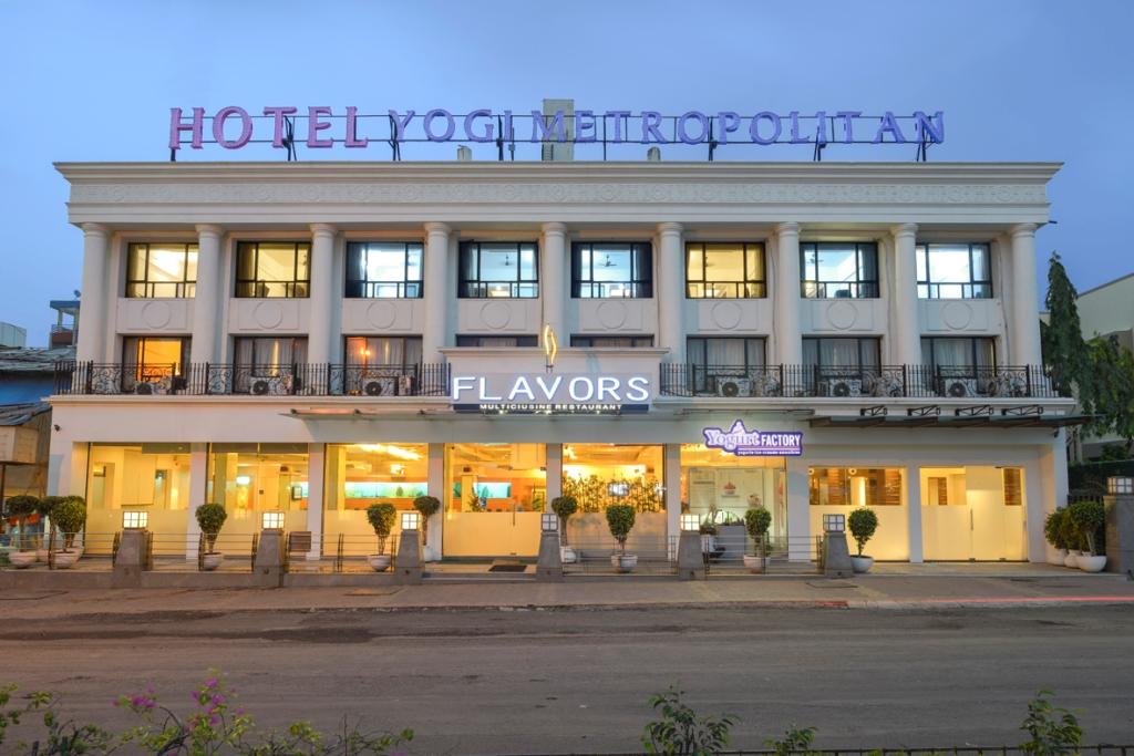 Hotel Yogi Metropolitan - Sanpada - Navi Mumbai Image