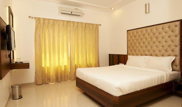Hotel Sai Siddhi - Nagar Manmad Road - Shirdi Image