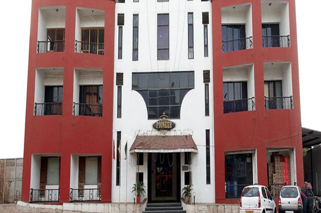 Hotel Pioneer - Tokarkhada - Silvassa Image