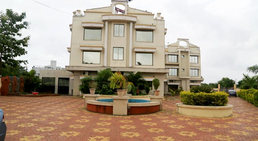 Vista Rooms - Vanganga Garden - Silvassa Image