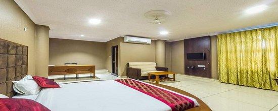 Shena Ravi Hotel - Sira - Tumkur Image
