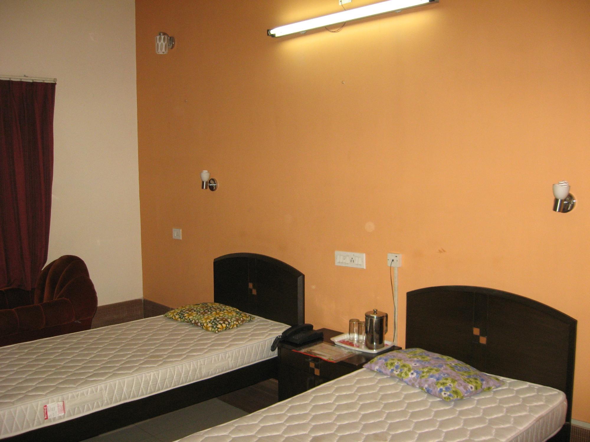 Sri Nikatan Hotel - Netaji Subhash Road - Malda Image