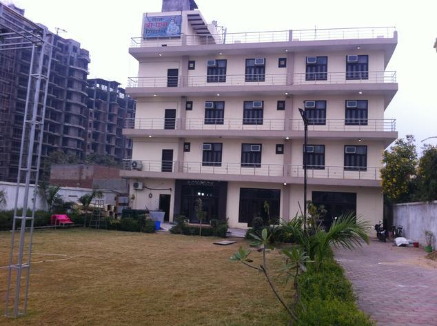 Hotel Shri Radha Resort - Goverdhan Chauraha - Mathura Image