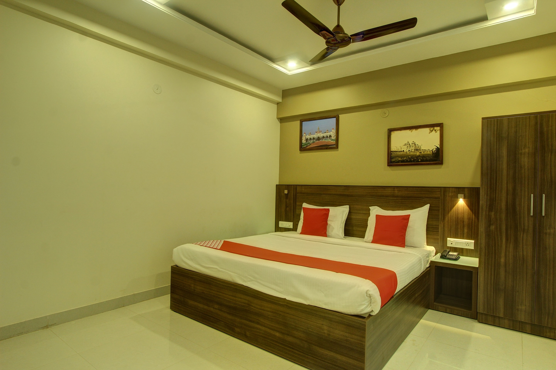 Hotel Hari Om Shringar - Deshpande Nagar - Hubli Image