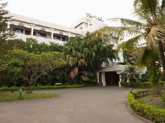 Hotel Naveen - Godrej Coliseum - Hubli Image