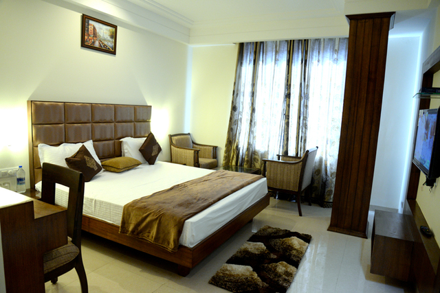 Hotel Monerio - VIP Road - Zirakpur Image