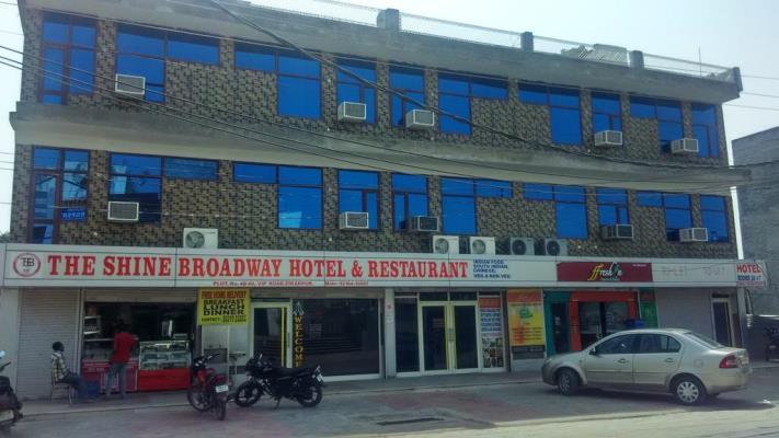 The Shine Broadway Hotel - VIP Road - Zirakpur Image