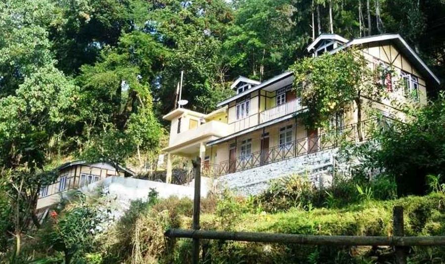 Oak Valley Retreat - Monastery Road - Pelling Image