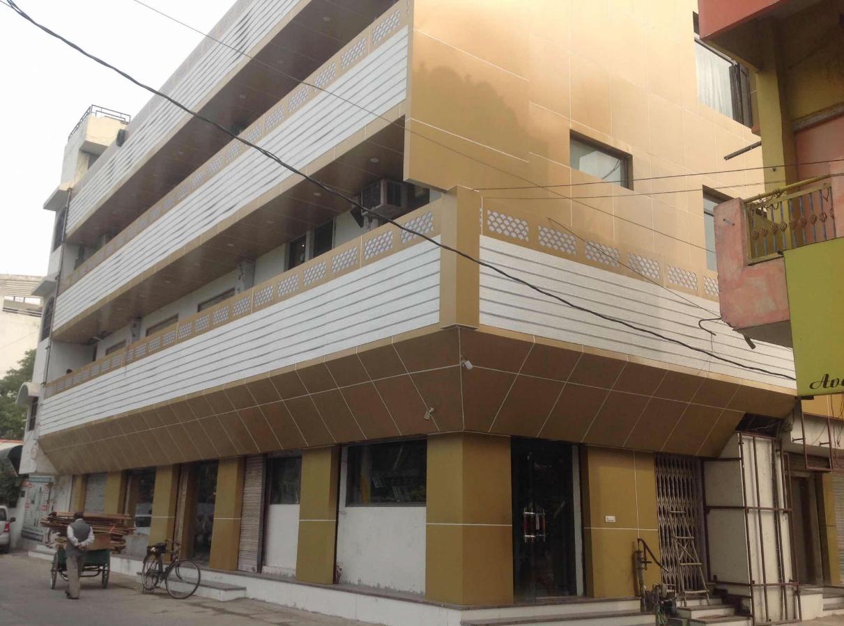 Hotel Karan - Mansarover Colony - Rohtak Image