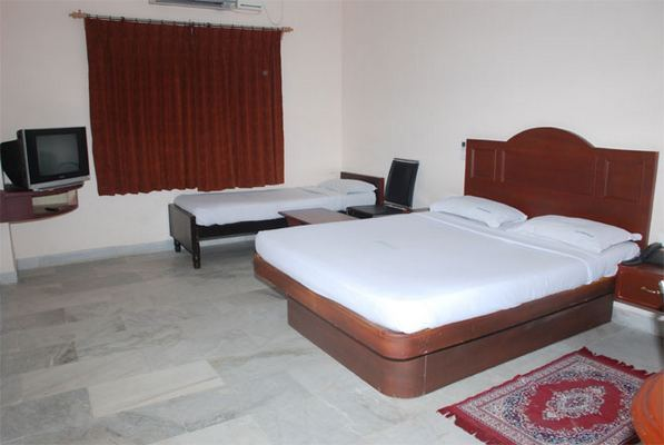 Hotel VPN Residency - Main Road Maha Kulam Stop - Velankanni Image