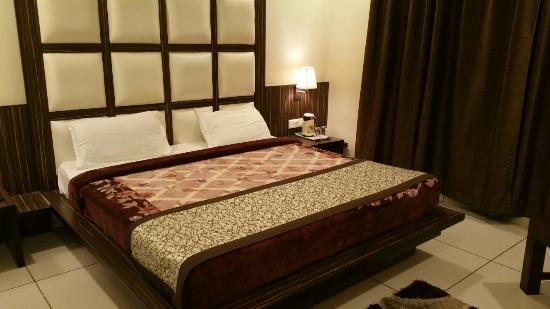 Hotel Trehan Continental - Dharamshala Road - Hoshiarpur Image