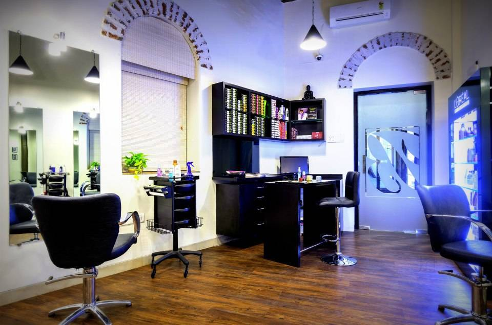 Black Burberry Salon Spa - Colaba - Mumbai Image