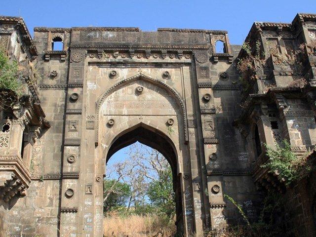 Achalpur Fort Achalpur Reviews Information Tourist Destinations Tourists Attractions India