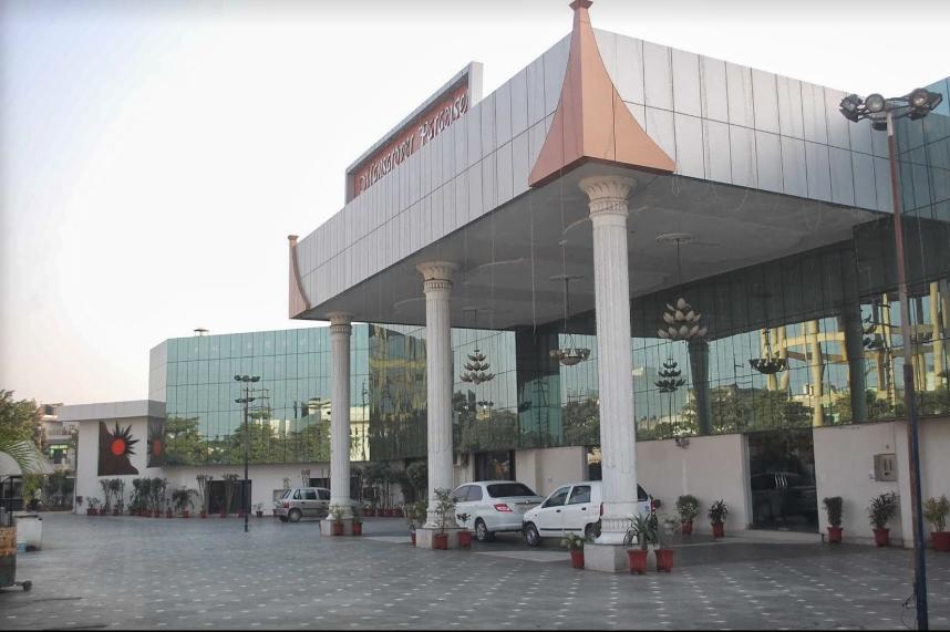 Hotel Mansarover Paradise - Moradabad Image