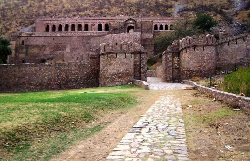Bhangarh Fort - Bhangarh Image