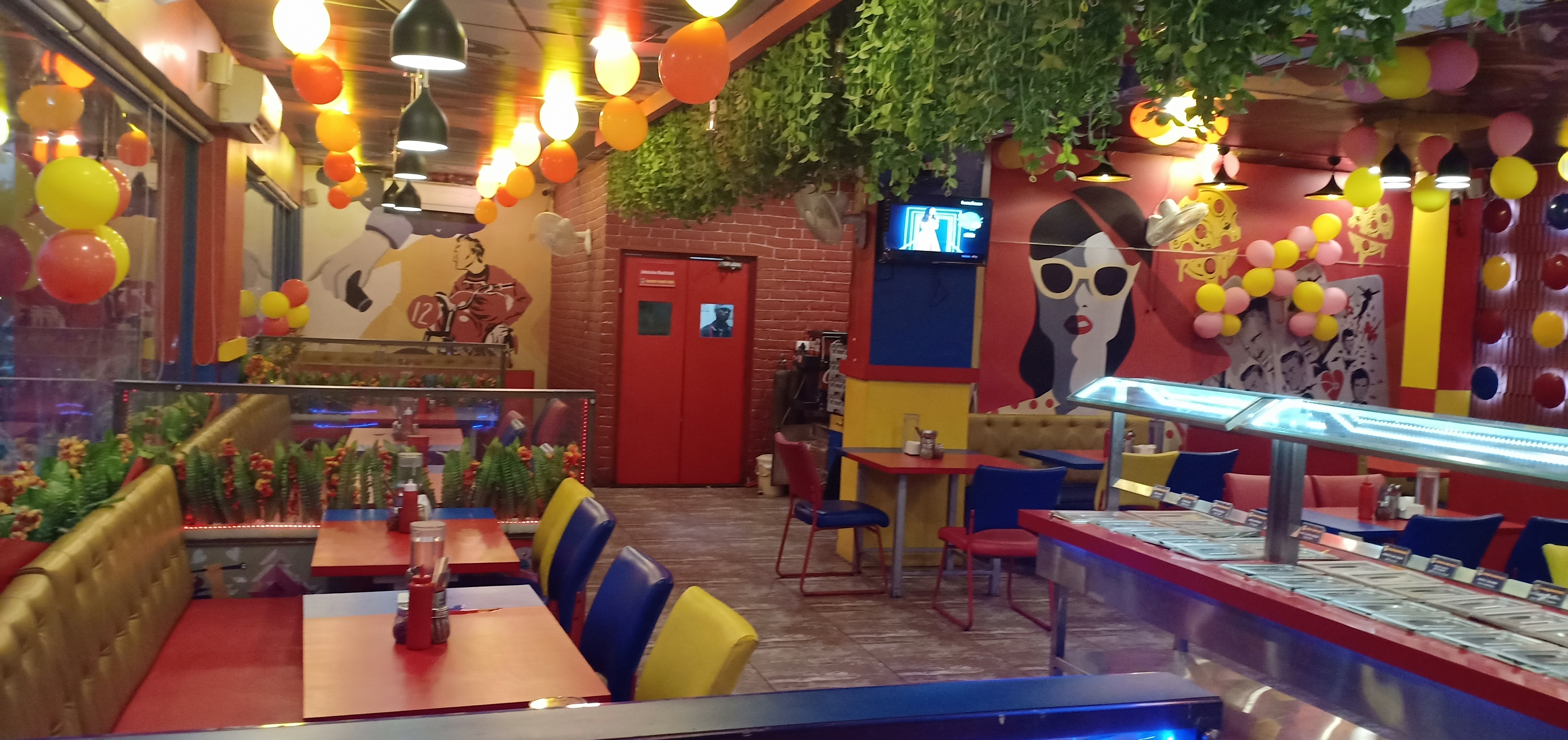 Wooddy Jhones Pizza - 4D Square Mall - Chandkheda - Ahmedabad Image