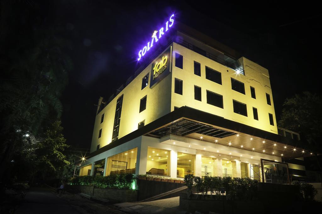 FabHotel Solaris - Rajiv Gandhi Circle - Indore Image