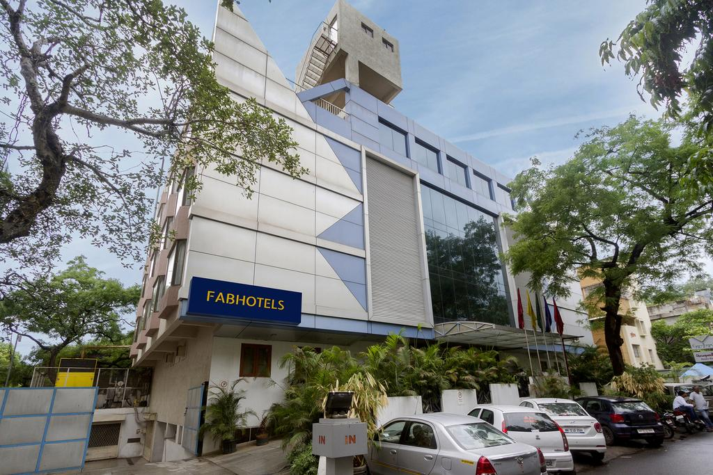FabHotel Gandharva - Shivaji Nagar - Pune Image