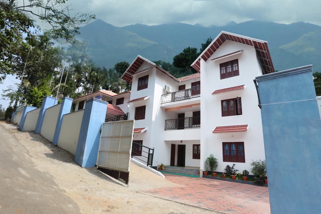 OYO 10421 La Flora Resorts - Wayanad Image