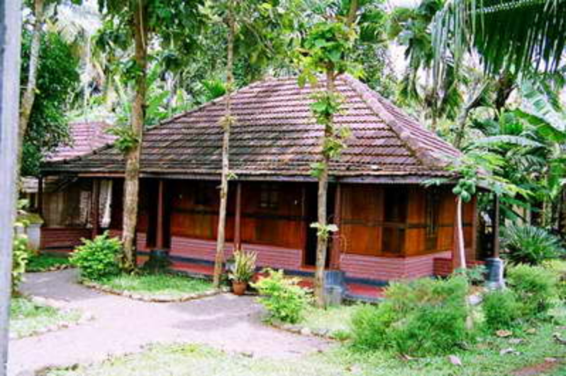 Pooppallys Heritage Home - Alappuzha Image