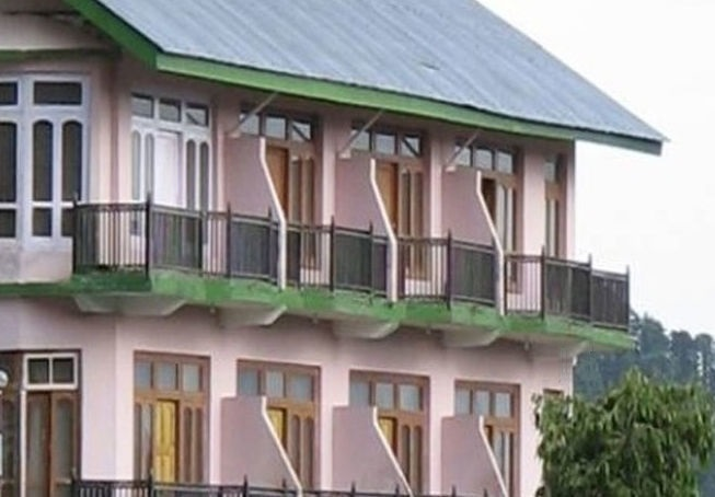 UNA Comfort Swiss Meadows Hotel - Chamba Image