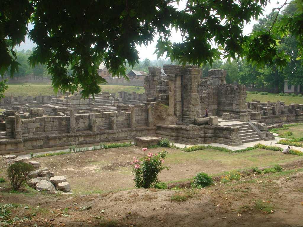 Avantishwar Temple - Pulwama Image