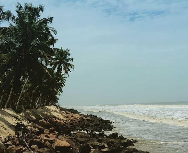 Andhakaranazhi Beach - Kochi Image