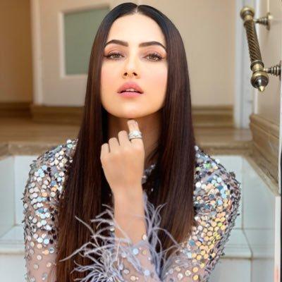 Sana Khan Image