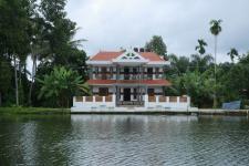Puthenpura Tourist Enclave - Cheepunkal - Kumarakom