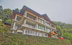 Norbulingka Retreat - Yangtay - Pelling