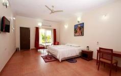 Srinivasa Prasanna Hotel - Camana Circle - Mandya