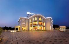 Hotel Wyte Portico - Pathanamthitta