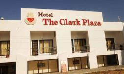 The Clark Plaza - Una