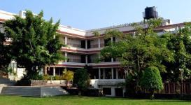 La-Shimmer Resort - Thane