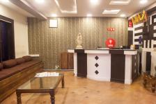 Hotel Nilgiris Inn - Ooty