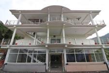 The Kempty Fall Resort - Mussoorie