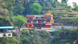 Nirvana Lodge and Lounge - Mussoorie